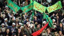 En Iran, des dizaines de milliers de manifestants soutiennent le