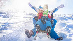 L'attrezzatura per la neve in offerta su Amazon. Sci, snowboard, slittini (e tanto