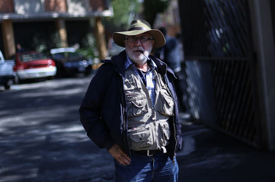El escritor y poeta Javier Sicilia previo a la marcha hacia la Secretaría de Gobernación, en Ciudad de México, el 3 de agosto de 2017.