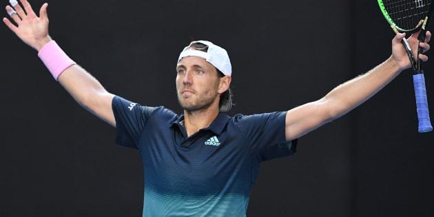 Le français Lucas Pouille s'est qualifié pour la première fois de sa carrière dans le dernier carré d'un tournoi du Grand Chelem.