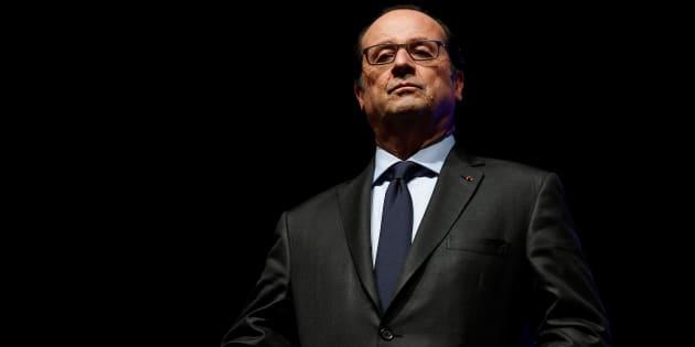 """Frappes en Syrie: Hollande regrette """"l'improvisation"""" de Trump et renvoie à la """"dérobade"""" d'Obama en 2013"""