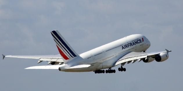 Un Airbus A380 décollant de Roissy-Charles-de-Gaulle le 9 août 2016