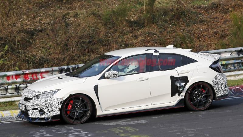 Honda Civic Type R facelift spied running around the
