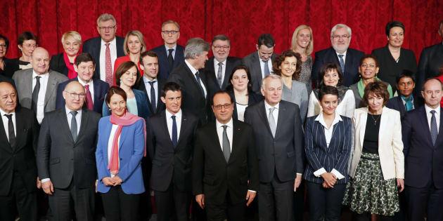 """Pour un """"shadow"""" Conseil des Ministres composé de jeunes de moins de 30 ans. REUTERS/Philippe Wojazer"""