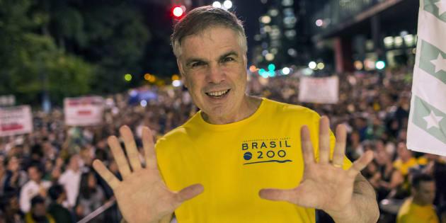"""""""Brasil passa por momento turbulento e não pode flertar com os extremos"""", disse Flávio Rocha."""