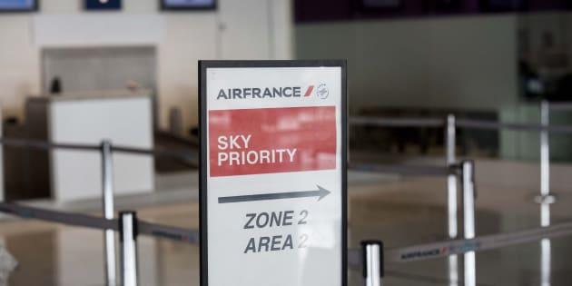 """Estrosi juge """"inacceptable"""" la suppression d'un contrôle de sécurité, Air France se défend """"d'appliquer la loi"""""""