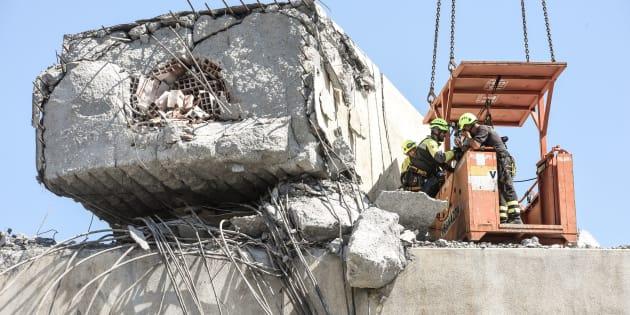 Stop del calcio genovese dopo il crollo del ponte Morandi: r