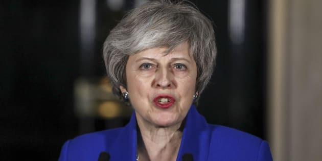 Brexit, May pronta a usare militari in caso di no deal