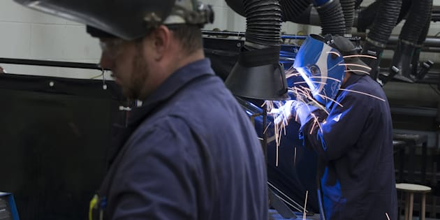 La crise de l'emploi est un problème criant, particulièrement en région. Or, en 2017, environ 85% des immigrants se sont installés dans la grande région de Montréal. Trente ans plus tôt, c'était 87%.