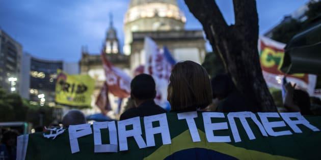 Protesto no Rio de Janeiro pede saída do presidente Michel Temer.