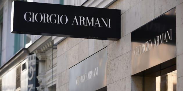 Uniforme escolar de la firma Armani desata protestas