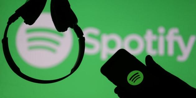 Spotify abandonne ses sanctions contre les artistes soupçonnés d'abus sexuels.