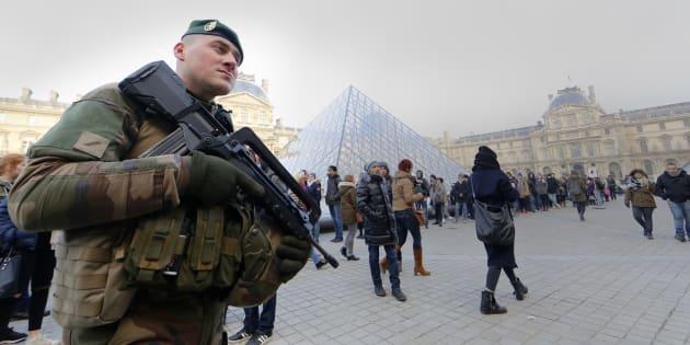 Attaque du Louvre: le suspect sort du silence et confirme être Abdallah El-Hamahmy