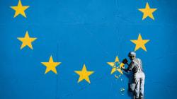Banksy desmantela la bandera de la Unión