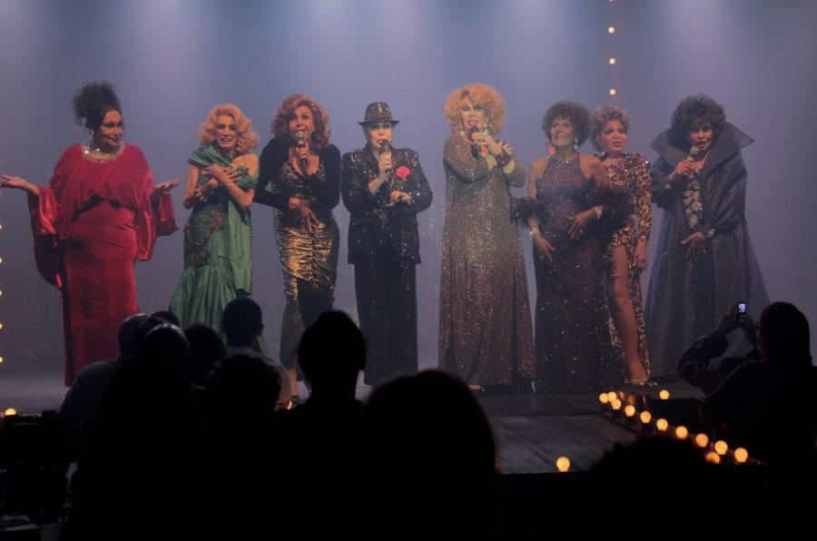 Da esquerda para a direita: Brigitte de Búzios, Camille K., Divina Valéria, Rogéria, Jane Di Castro, Fujika de Halliday, Eloína dos Leopardos e Marquesa.