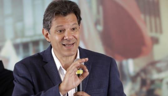 PT vai à Justiça contra Bolsonaro após suposto uso de WhatsApp por