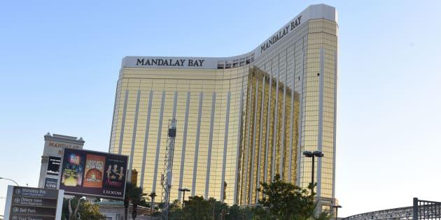 Cinquante-huit personnes sont décédées sous les tirs d'un Américain de 64 ans qui était retranché dans une chambre au 32e étage de l'hôtel Mandalay Bay Resort and Casino.