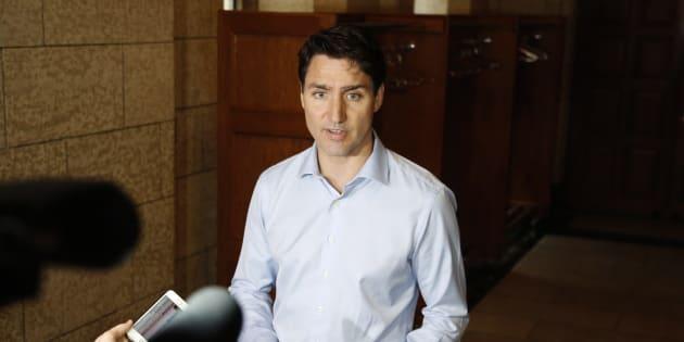 Le premier ministre Justin Trudeau a rencontré la presse avant un caucus, mercredi.