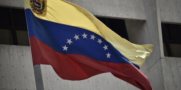 Justiça isenta venezuelanos de taxas para pedir residência.