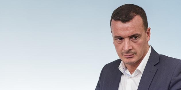 Pd, Renzi: 'Chiederò dimissioni governo, mi farò incatenare'