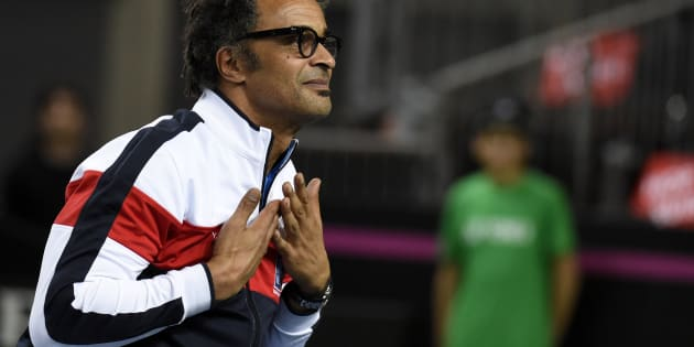 Yannick Noah hué par le public suisse à Genève durant la Fed Cup