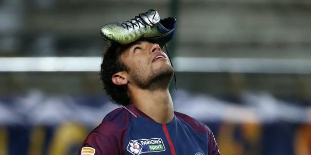 L'étrange célébration de Neymar pendant Amiens-PSG