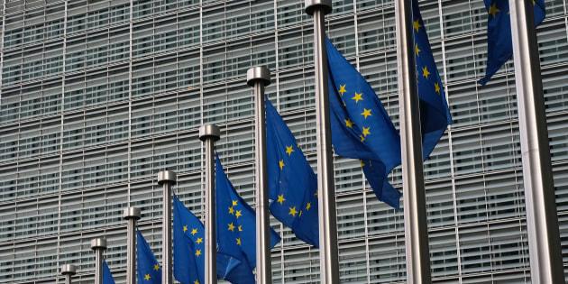 Ue accusa otto banche di cartello su trading titoli di Stato