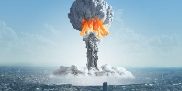 Ejemplo de una explosión nuclear en una ciudad grande.