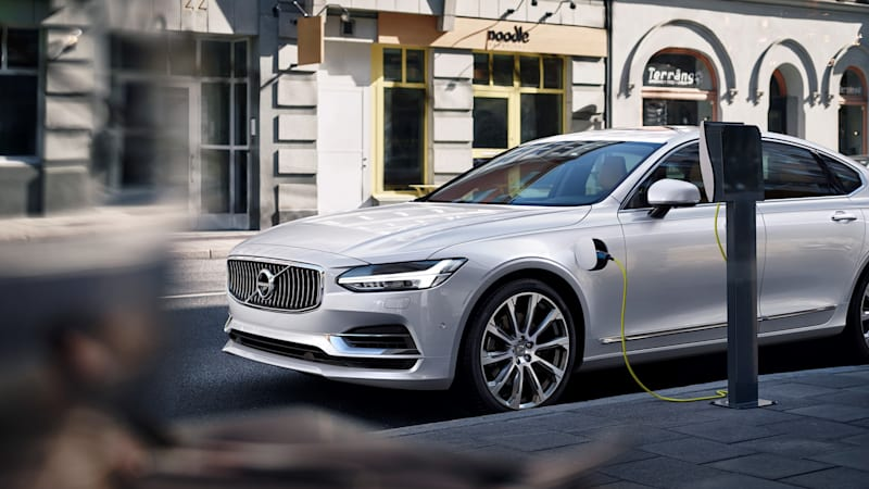 Volvo plans to build a million electrified cars by 2025