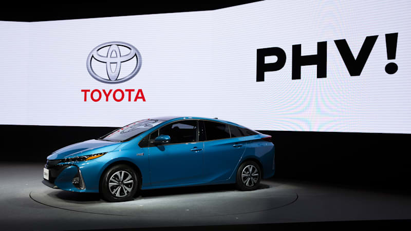 Toyota still doesn't think electric cars are ready for mass consumption