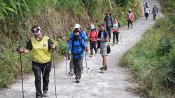 Les plus de 500 randonneurs bloqués en altitude après le séisme en Indonésie ont été