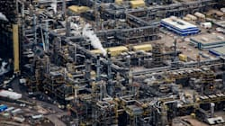 Oil Prices Soar, But Canadian Crude Sells At 'Ridiculous' 58%