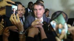 Bolsonaro anuncia André Luiz de Almeida Mendonça para comandar a