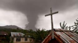 FOTOS: Terremotos, tsunami y ahora una erupción volcánica en