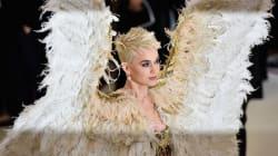 Les ailes de Katy Perry sur le tapis rouge du Met Gala inspirent la