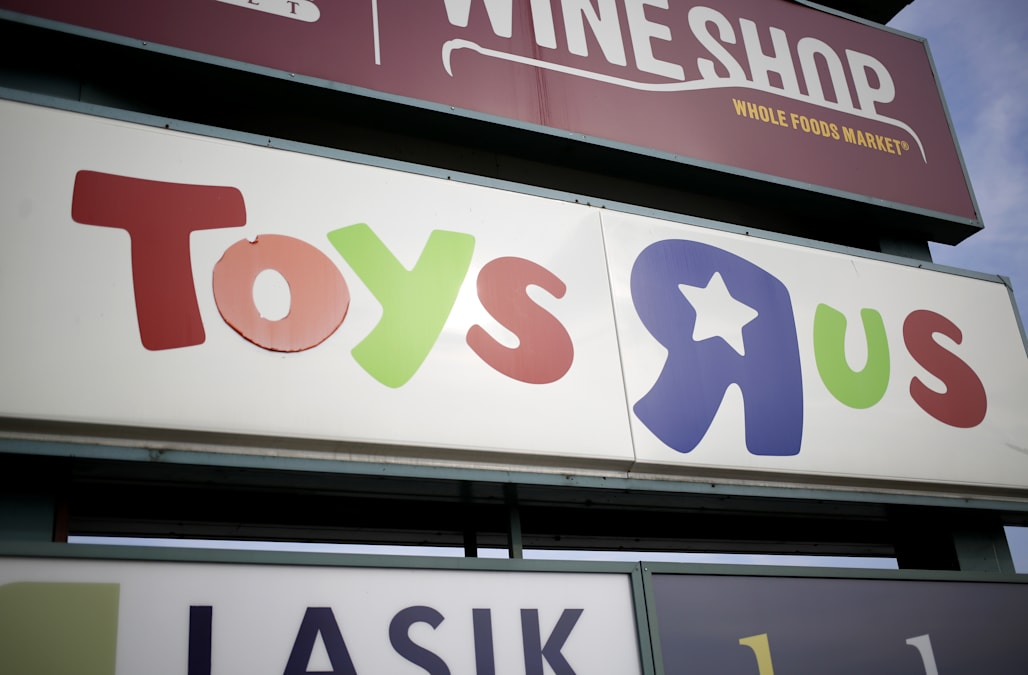 Toys R Us Black Friday Store Map Find Top Doorbuster Toy Deals - R us map