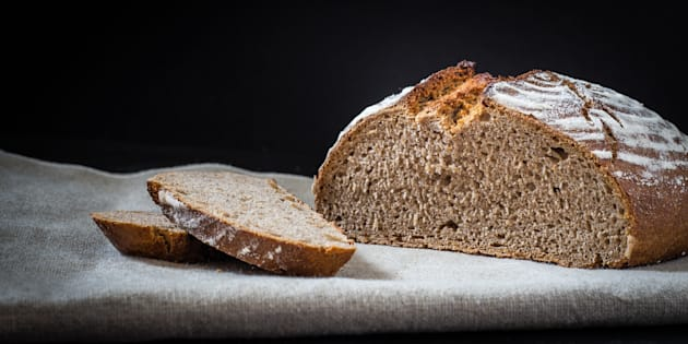 La crosta del pane invecchia le cellule, è colpa della reazi
