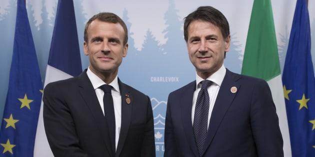 """""""Humanité"""" ou """"fermeté"""": l'odyssée de l'Aquarius imposée par le premier ministre italien Conte (à droite) place Macron au pied du mur."""