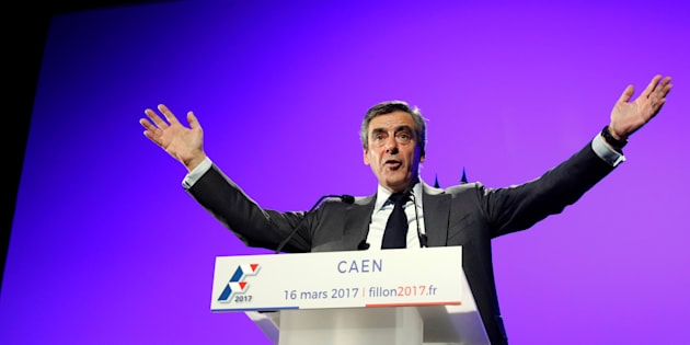 François Fillon en meeting à Caen le 16 mars 2017.