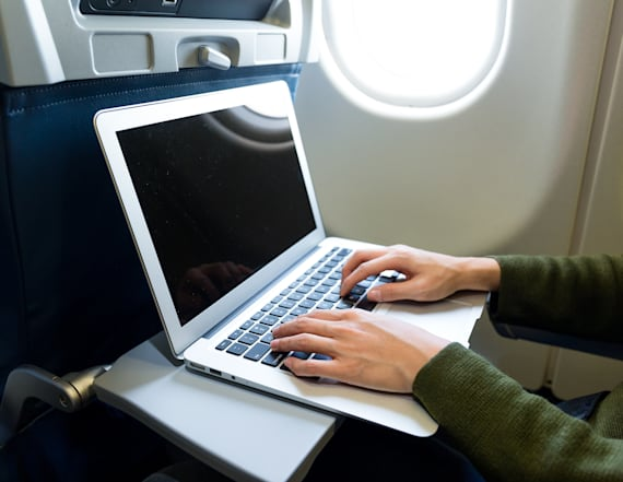 US wants worldwide ban on laptops in checked bags