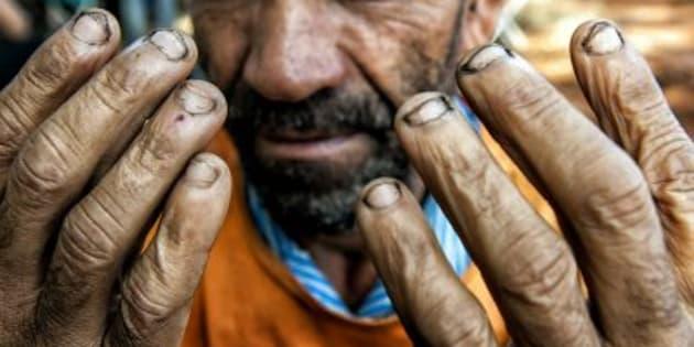 A vulnerabilidade dos trabalhadores vindos de regiões pobres é explorada pelos empregadores.