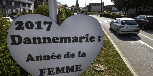 La commune de Dannemarie ne retirera pas ses silhouettes féminines controversées.