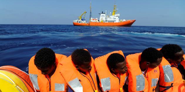 Tras ser rescatados por barco 'Aquarius', migrantes africanos no tienen a donde llegar.