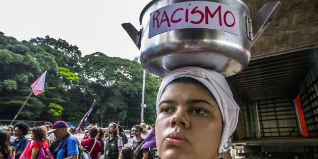"""""""A participação de mulheres negras na política nacional e subnacional ainda é extremamente reduzida, assim como a de indígenas. Sobre essas mulheres incide uma dupla discriminação, a racista e a sexista"""", diz estudo."""