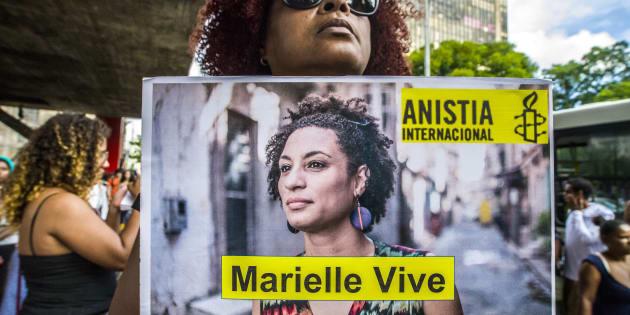 A bancada religiosa ainda tenta tirar a palavra gênero de 2 dos 5 projetos de Marielle aprovados pela Câmara Municipal.