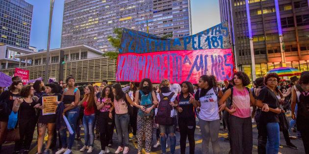 Protesto em 2017 em São Paulo por direitos das mulheres.