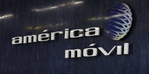 Acción de América Móvil se hunde tras pérdida neta