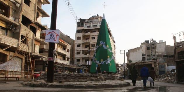 Les grandes villes sunnites de Homs (sur la photo), Hama, et Alep sont en ruines et il n'est guère sûr que l'on y facilitera le retour des réfugiés.