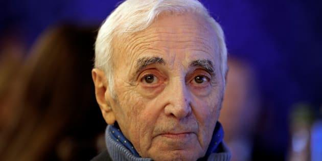 Charles Aznavour hospitalisé après une chute à son domicile