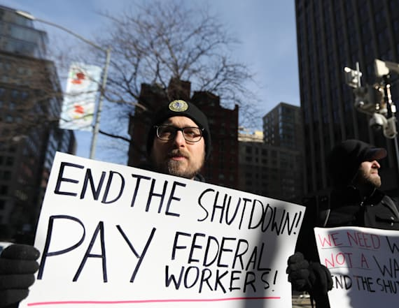 Poll: Federal workers rather pay check over wall